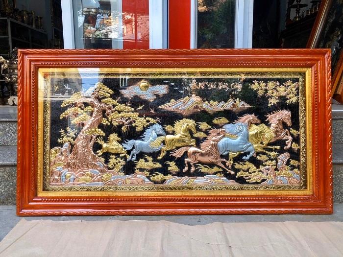 Tranh đồng mã đáo thành công là một trong 10 mẫu tranh phong thủy may mắn, tài lộc gia chủ nên bày biện trong nhà mình