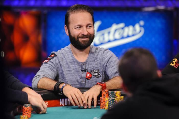 Năm 2014, Daniel Negreanu vinh dự được ghi tên vào đại sảnh danh vọng của thế giới Poker