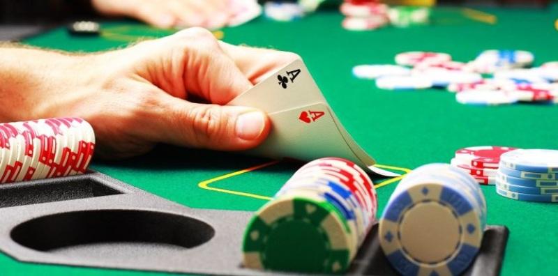 Game đánh bài Baccarat yếu tố may rủi là điều rất quan trọng